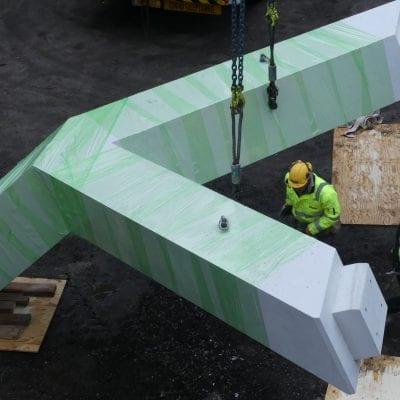 Voorbereiden tot plaatsen Y kolom - Van den Berg Beton
